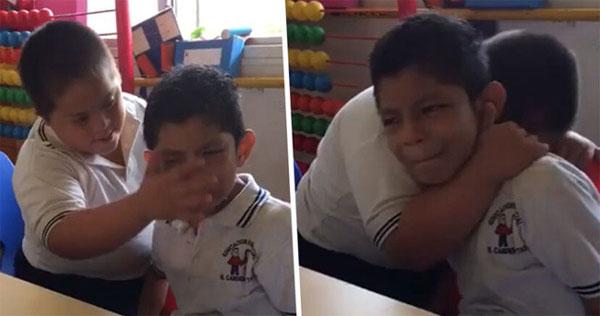 Lau nước mắt cho nhau trong lớp học, 2 cậu bé nhận bão like từ dân mạng, câu chuyện đằng sau khiến ai cũng sụt sùi cảm động-1
