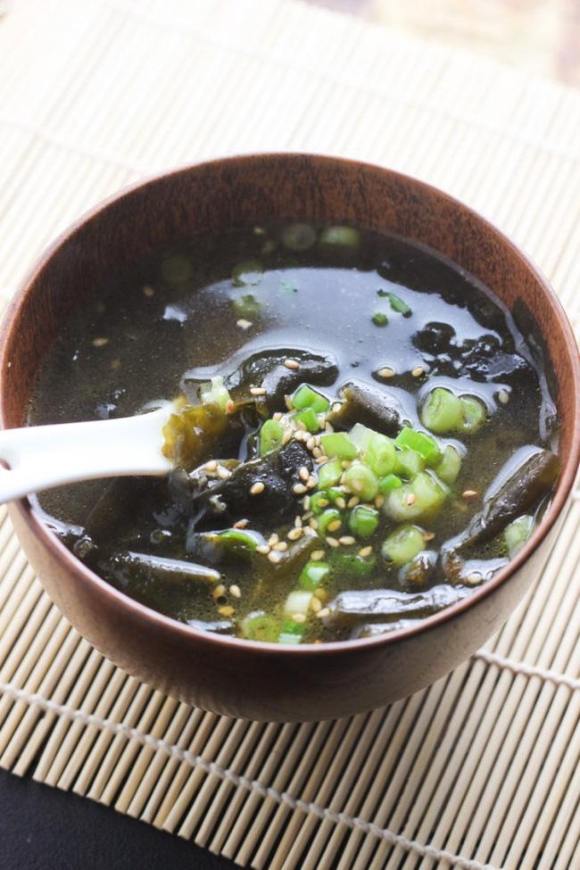 Đâu chỉ skincare, phụ nữ Hàn còn chăm ăn uống 4 loại thực phẩm sau để da đẹp như mơ và trẻ cực lâu-3