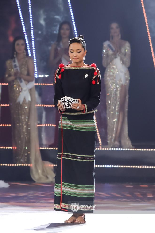 Chính thức: Nguyễn Trần Khánh Vân là Tân Hoa hậu Hoàn vũ Việt Nam 2019-4