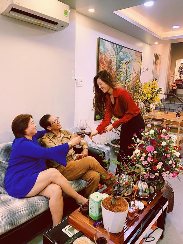 Gia thế không phải dạng vừa Khánh Vân - Tân Hoa hậu Hoàn vũ Việt Nam: Sở hữu căn hộ hoành tráng, du lịch sang chảnh chẳng kém cạnh ai!-2