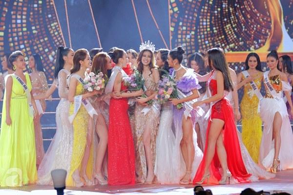Rộ tin đồn câu hỏi ứng xử của chung kết Hoa hậu Hoàn vũ VN 2019 bị lộ trước giờ G, các thí sinh đều được chuẩn bị trước?-2
