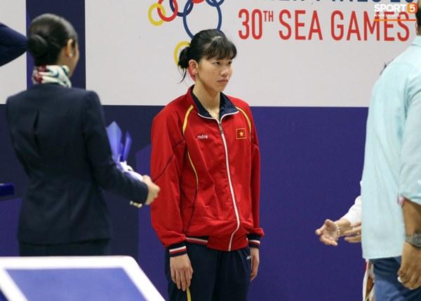 Mặt buồn xo nhận HCV thứ 5 tại SEA Games 2019, Ánh Viên bị nhắc nhở-4