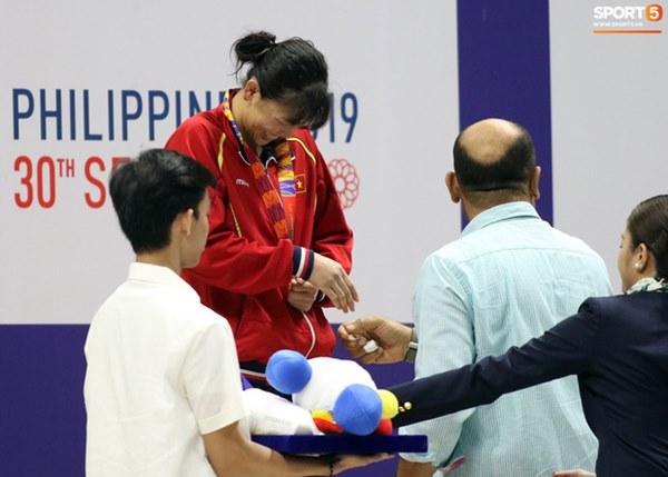 Mặt buồn xo nhận HCV thứ 5 tại SEA Games 2019, Ánh Viên bị nhắc nhở-6