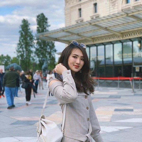 Ái nữ Huawei học Harvard, sống xa hoa như thế nào?-8