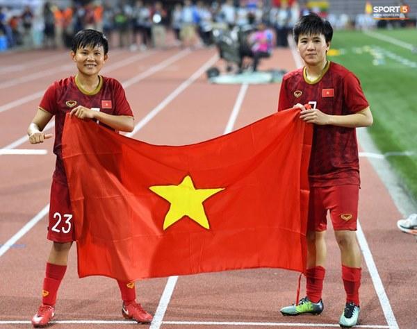 Tuyển nữ Việt Nam ăn mừng đầy cảm xúc sau khi đánh bại Thái Lan, khẳng định vị thế số 1 Đông Nam Á-8
