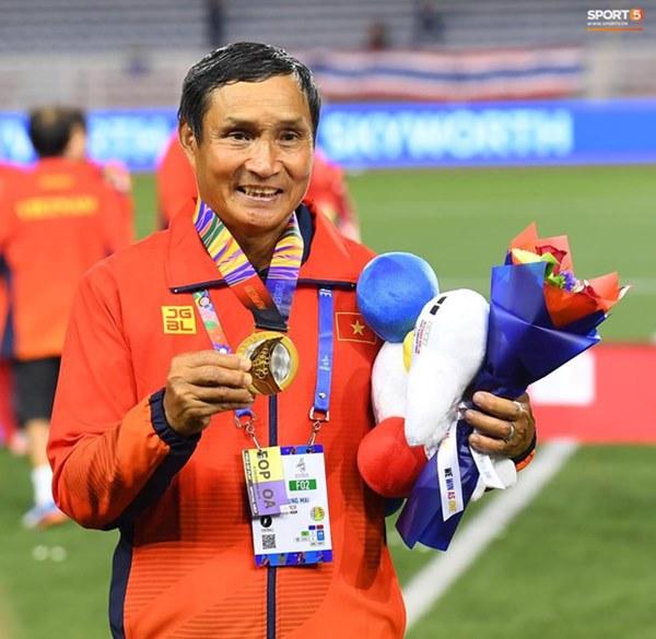 Tuyển nữ Việt Nam ăn mừng đầy cảm xúc sau khi đánh bại Thái Lan, khẳng định vị thế số 1 Đông Nam Á-12