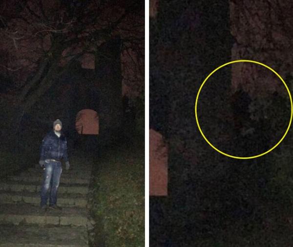 Đi khám phá lâu đài cổ, cặp đôi hoảng hồn khi phát hiện ra một chi tiết kỳ dị trong bức ảnh chụp trên bậc cầu thang-2