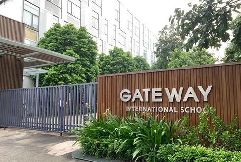 """Hé lộ những bí mật"""" bên trong chiếc xe đưa đón nơi phát hiện học sinh trường Gateway tử vong-1"""