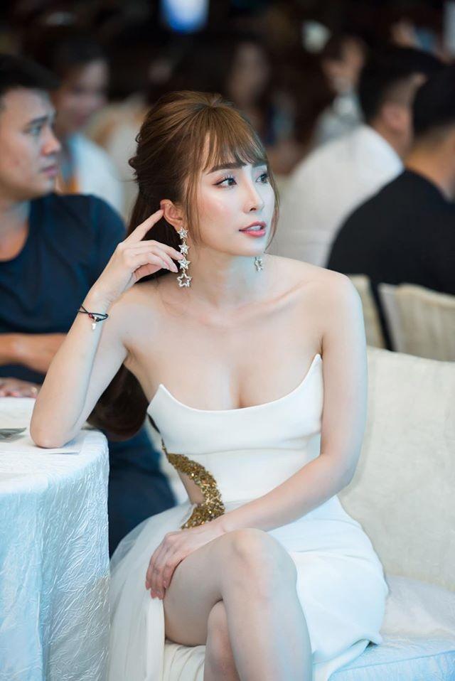 Quỳnh Nga mặc gợi cảm sau khi thừa nhận nâng ngực-8