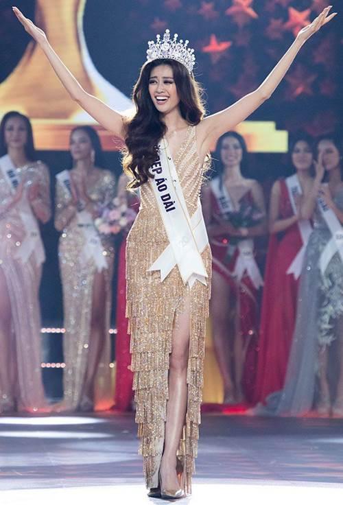 Ăn mặc cá tính hết phần thiên hạ, Hoa hậu Khánh Vân còn mê xài túi hiệu chẳng kém ai-1