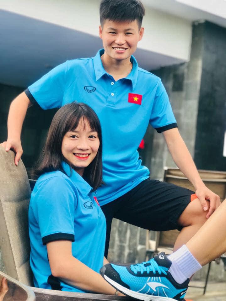 Quyết liệt trên sân cỏ, ai ngờ 3 gương mặt khả ái của đội tuyển bóng đá nữ Việt Nam lại có những hình ảnh ngoài đời mềm mại như thế này-4