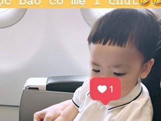 Á hậu Tú Anh hạnh phúc khoe con trai đã trưởng thành khi biết ngắm mẹ trên tạp chí