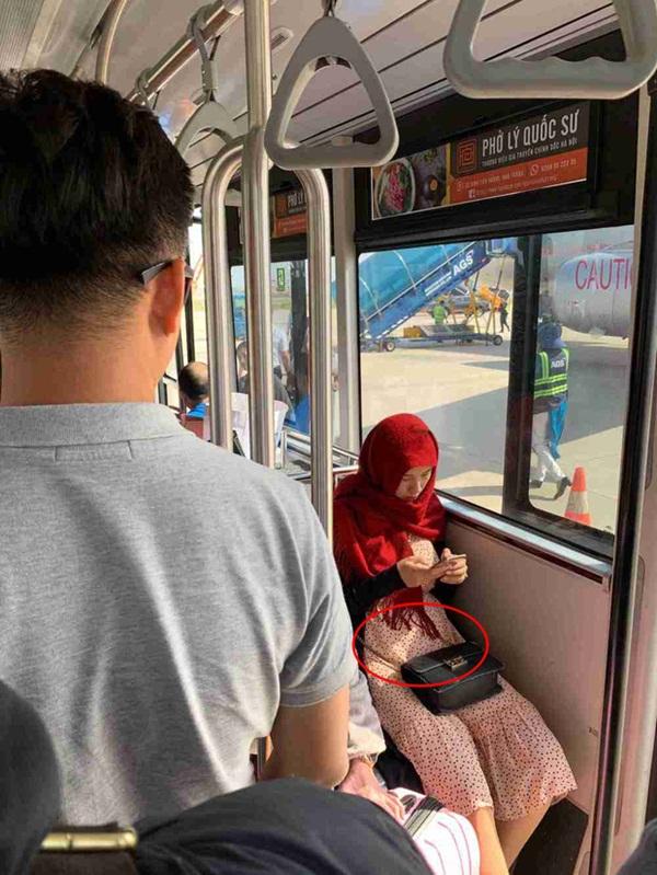 Sau tin đồn mang thai, MC Hoàng Oanh đã lộ vòng 2 lớn rõ lắm rồi trong hình ảnh đời thường-1