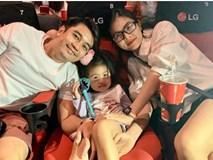 Đưa con gái 3 tuổi đi xem phim Elsa, Vân Trang sợ bé không hiểu nhưng Nì phản ứng khiến mẹ bất ngờ
