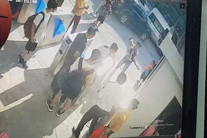 Học sinh trường Gateway chết trên ô tô: Vật chứng nào chưa được chuyển sang cơ quan tố tụng?-1