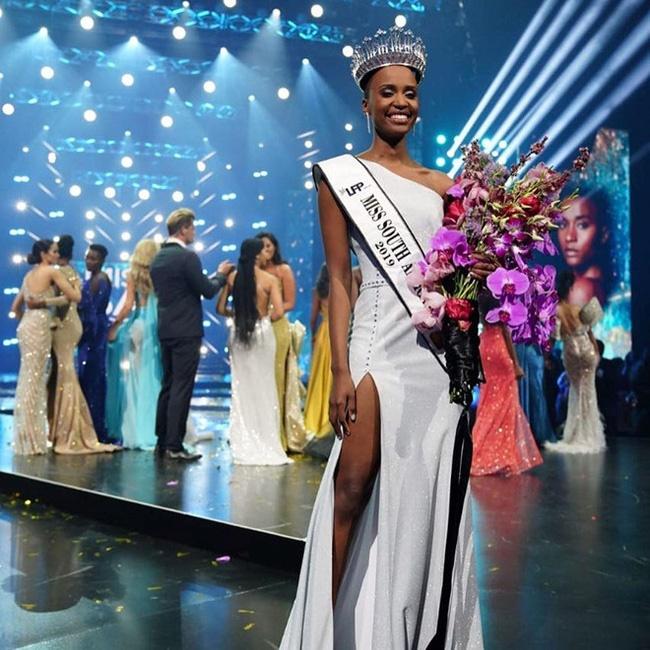 Chiêm ngưỡng loạt ảnh đời thường và background xịn của Tân Hoa hậu Hoàn vũ mới biết vì sao Hoàng Thùy lại bị người đẹp Nam Phi bỏ xa đến thế-2