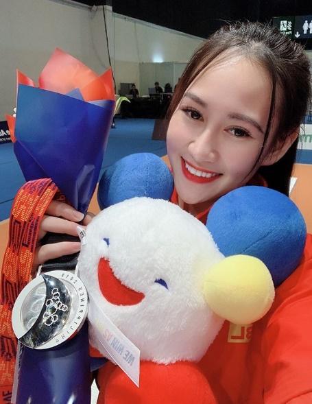 Quá xinh đẹp, hot girl môn kiếm chém đoạt HCB Sea Games lấn sân sang làm người mẫu khiến cộng đồng mạng bất ngờ-3