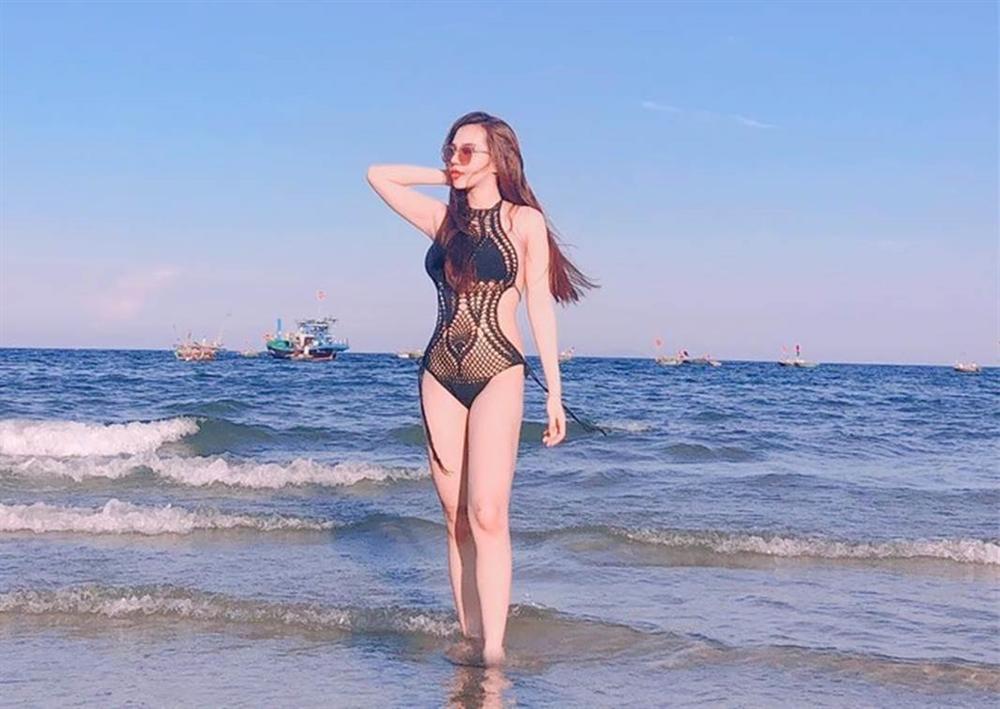 Bạn gái cầu thủ dự SEA Games 30 toàn hot girl có phong cách gợi cảm-2