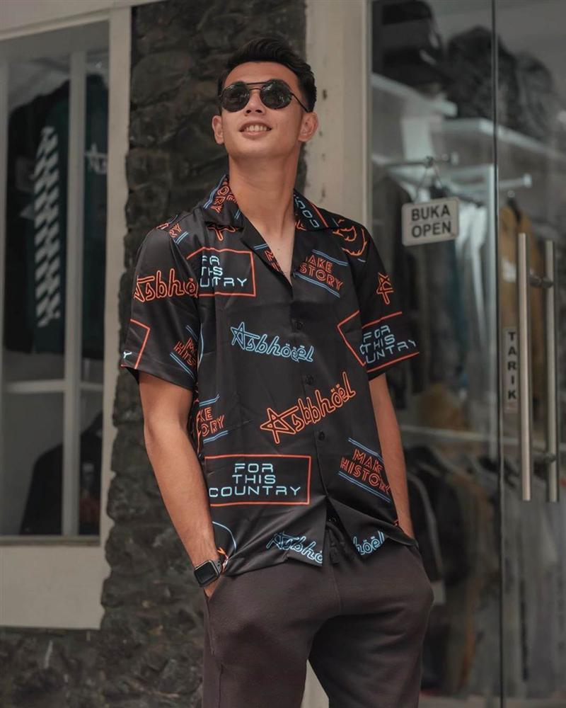 Thủ môn U22 Indonesia được khen mặc đẹp dù toàn đồ giá rẻ-6