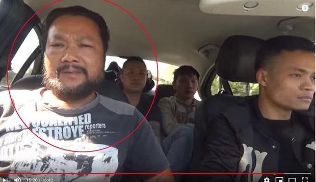 Sự thật clip tóm gọn nhóm người mặt đen, cầm đầu gà xúc xích đi xin tiền: Người đàn ông thừa nhận dàn dựng để câu view-3