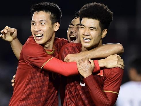 U22 Việt Nam vs Indonesia (0-0, H1): Đức Chinh, Tiến Linh đá chính