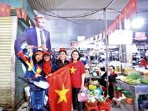 Tiểu thương Đà Nẵng treo cờ kín chợ, nghỉ bán sớm để