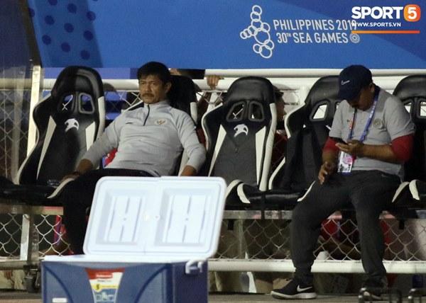 HLV Park Hang-seo cực thần thái khi Văn Hậu ghi bàn mở tỷ số ở trận chung kết SEA Games 30-7
