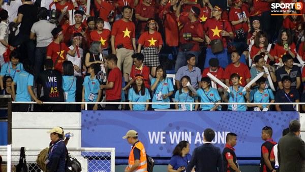 HLV Park Hang-seo cực thần thái khi Văn Hậu ghi bàn mở tỷ số ở trận chung kết SEA Games 30-8