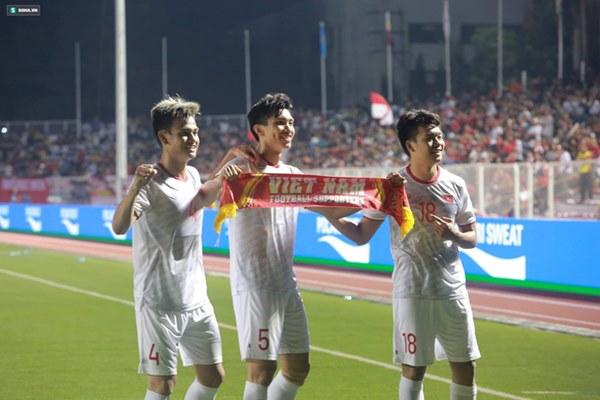 Thầy Park chơi bài ngửa, U22 Việt Nam thắng rạng rỡ để vô địch SEA Games cực kỳ có Hậu-4