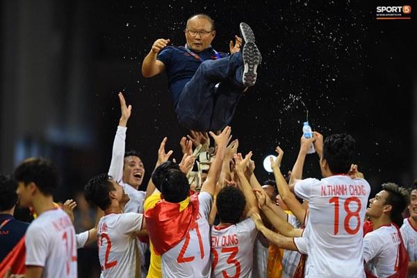 U22 Việt Nam ăn mừng cực cảm xúc khi vô địch SEA Games 30-2