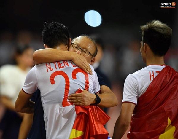 U22 Việt Nam ăn mừng cực cảm xúc khi vô địch SEA Games 30-3