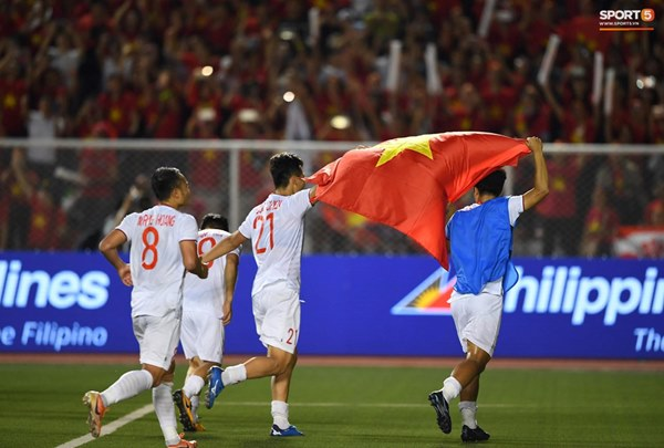 U22 Việt Nam ăn mừng cực cảm xúc khi vô địch SEA Games 30-8