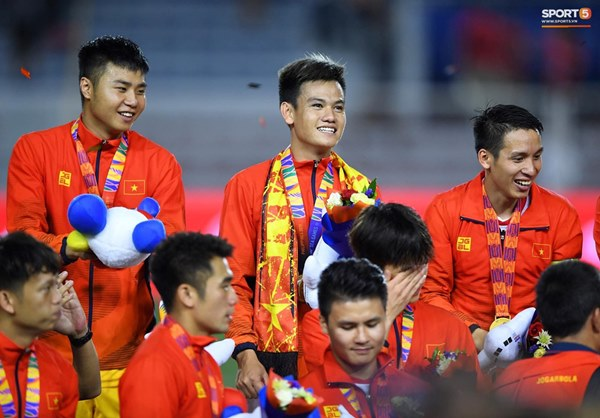 U22 Việt Nam ăn mừng cực cảm xúc khi vô địch SEA Games 30-18