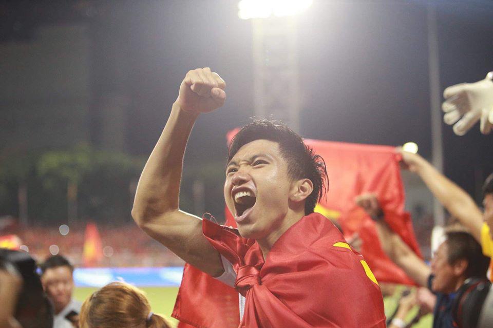 Đăng ảnh ăn mừng chiến thắng trên Instagram, Đoàn Văn Hậu bị cổ động viên Indonesia tràn vào bình luận miệt thị, xúc phạm nặng nề-3