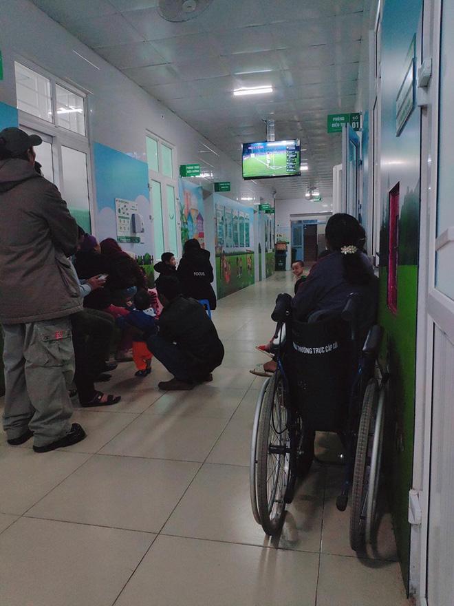 Cụ ông phẫu thuật não, thở máy vẫn cố xem trận U22 Việt Nam - U22 Indonesia và những hình ảnh xúc động trong viện-2