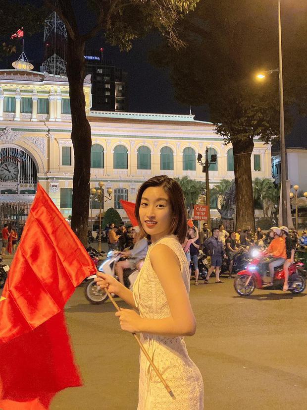 Đẳng cấp nhan sắc của dàn Hoa hậu Vbiz đi bão: Không váy áo lụa là, cầm cờ đỏ sao vàng thôi đã xinh xuất sắc-2