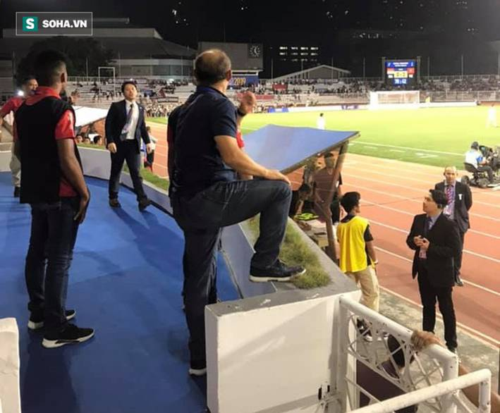 Đại diện BTC xin lỗi thầy Park sau vụ việc ồn ào vì tấm thẻ đỏ ở trận chung kết SEA Games-1