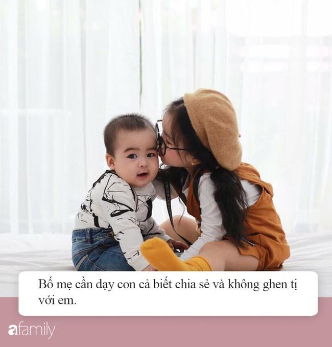 Để các con luôn hòa thuận, không ghen tị nhau, đây là 7 điều quan trọng bố mẹ cần dạy đứa con cả khi sắp có thêm em bé-1