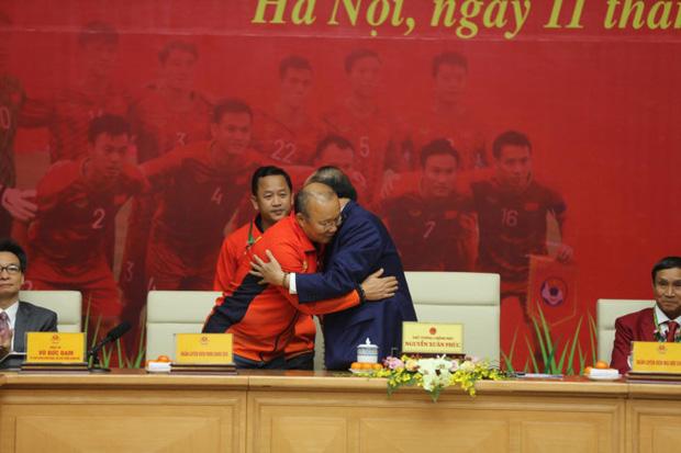 Thủ tướng giải đáp thắc mắc vì sao chỉ tiếp 2 đội bóng đá U22 Việt Nam-3