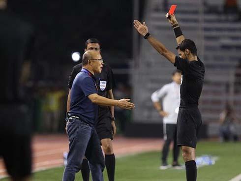 Phải nhận thẻ đỏ ở SEA Games, HLV Park sẽ không còn quyền chỉ đạo ở trận kế tiếp?