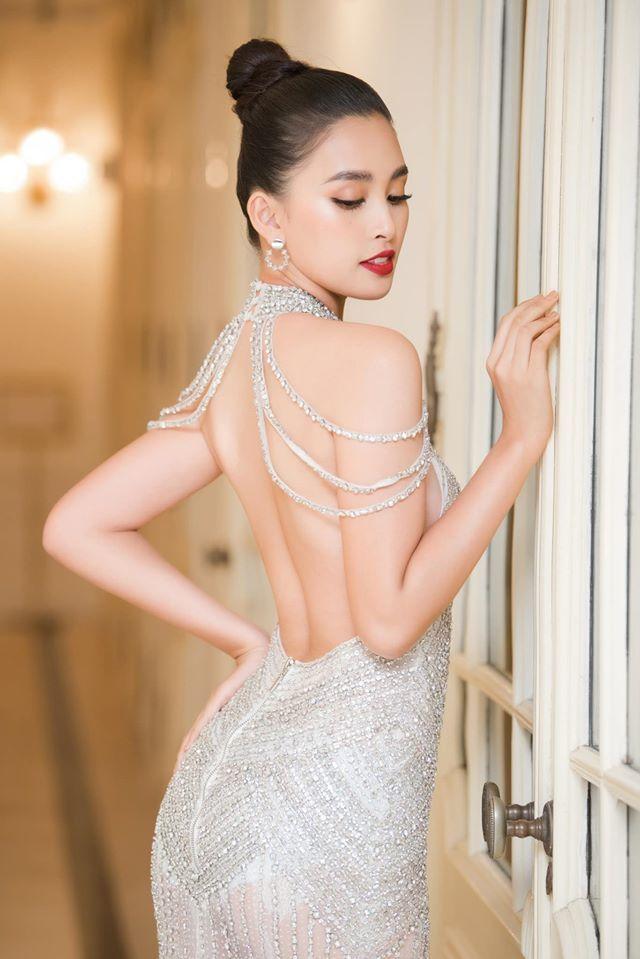 Những lần khoe eo thon, lưng cong ngực đầy của Hoa hậu Tiểu Vy-3