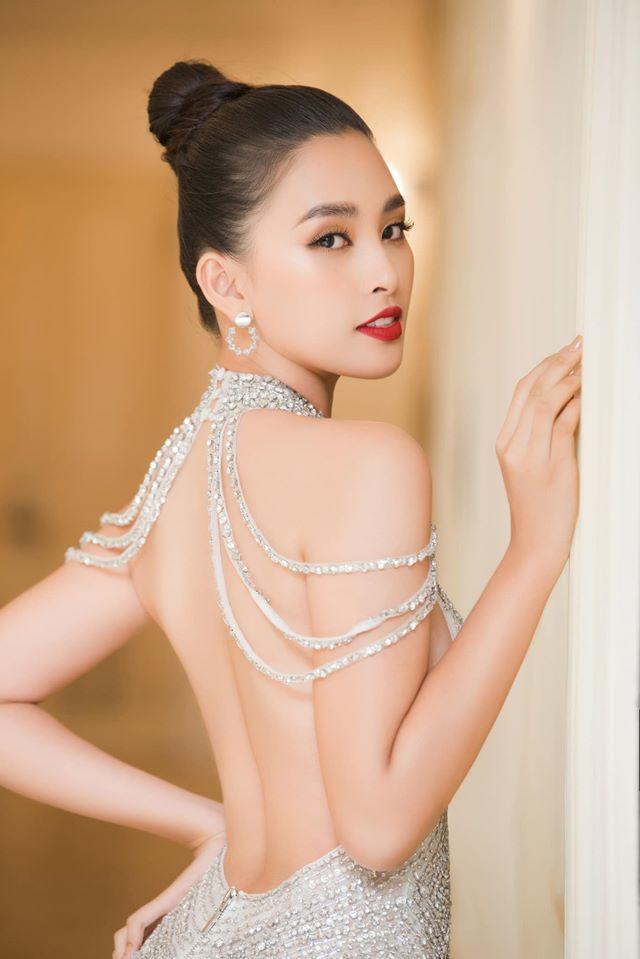 Những lần khoe eo thon, lưng cong ngực đầy của Hoa hậu Tiểu Vy-4