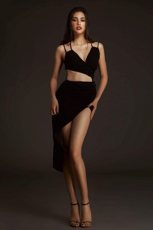 Những lần khoe eo thon, lưng cong ngực đầy của Hoa hậu Tiểu Vy-7