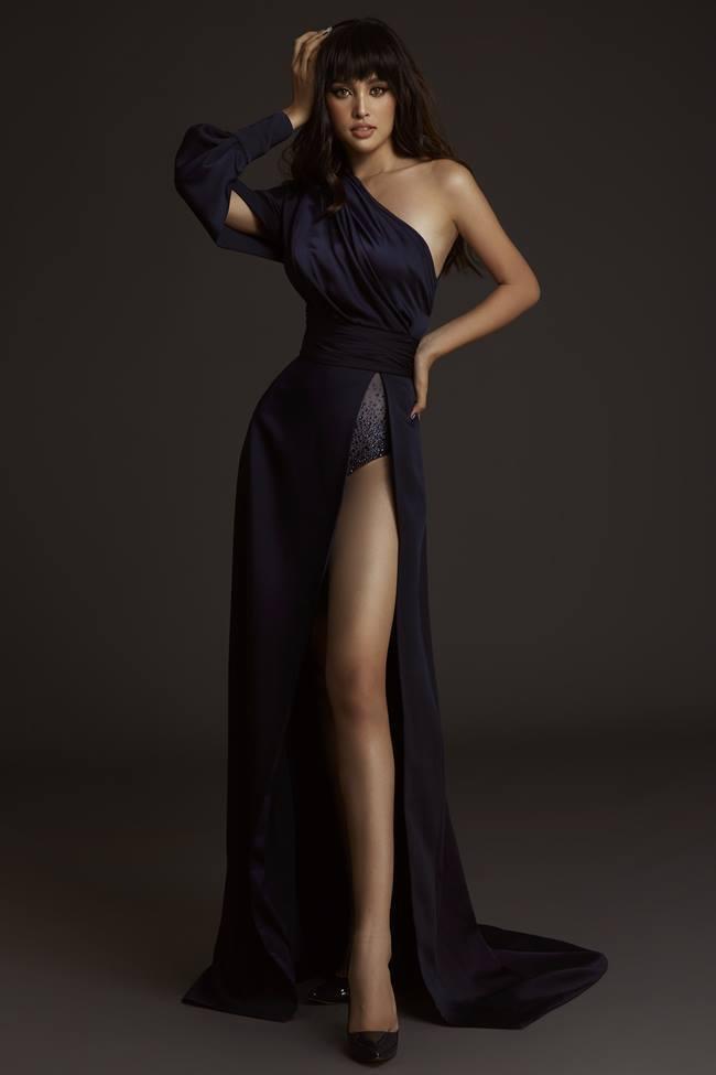 Những lần khoe eo thon, lưng cong ngực đầy của Hoa hậu Tiểu Vy-9