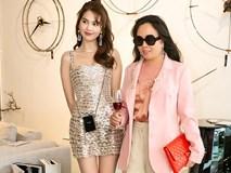 Cùng dự 1 sự kiện: Ngọc Trinh hở bạo với váy ngắn cũn, đối lập với Phượng Chanel diện áo kín mít
