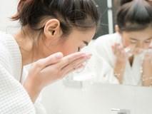 Sai lầm khi rửa mặt trong mùa Đông mà 8/10 chị em đều mắc phải khiến da thô ráp và lão hóa không phanh