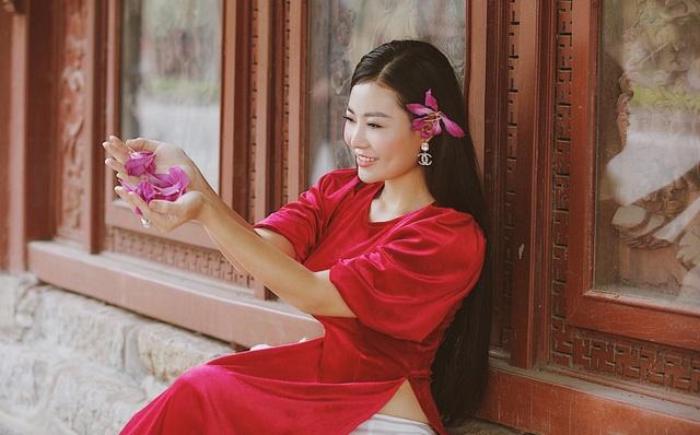 Diễn viên Thanh Hương duyên dáng, xinh đẹp trong tà áo dài-1