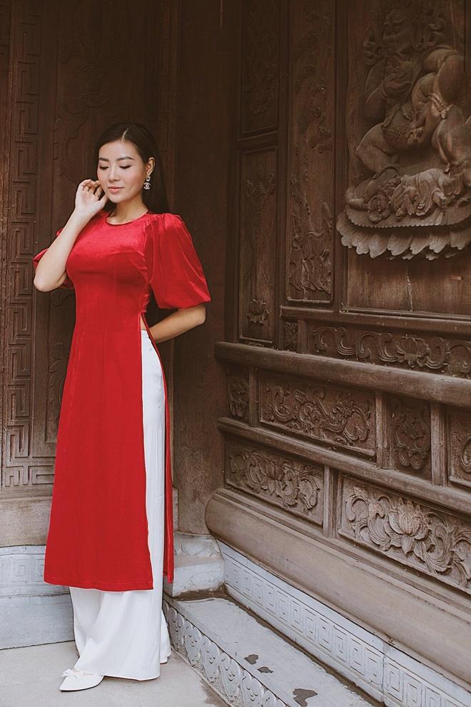 Diễn viên Thanh Hương duyên dáng, xinh đẹp trong tà áo dài-5