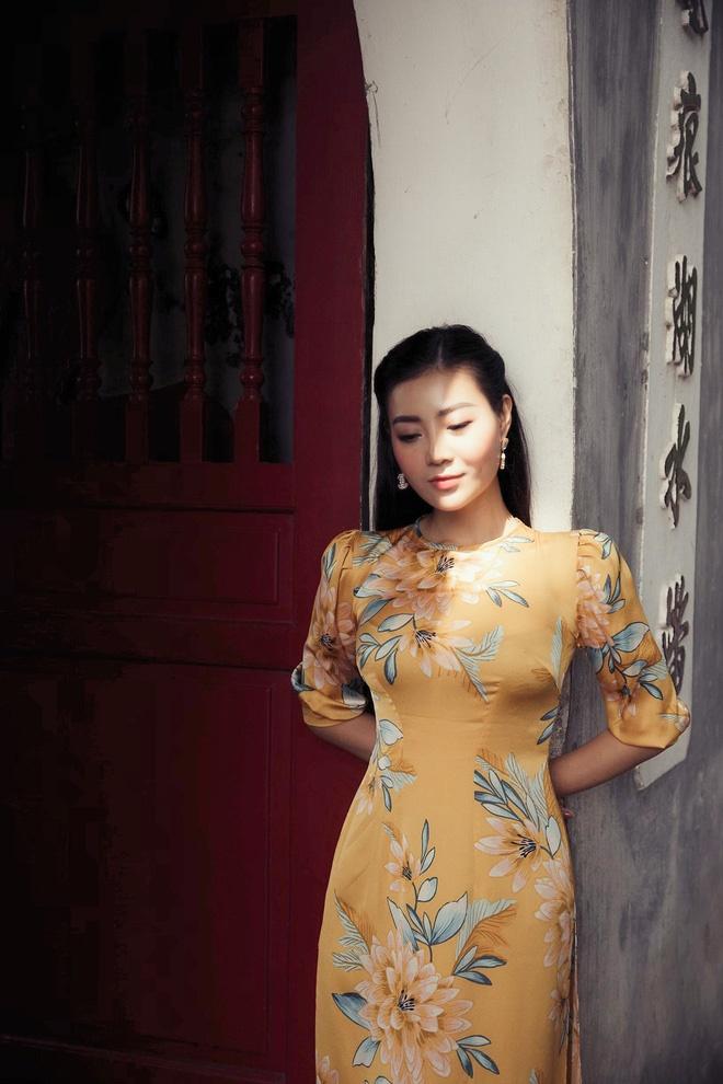 Diễn viên Thanh Hương duyên dáng, xinh đẹp trong tà áo dài-7