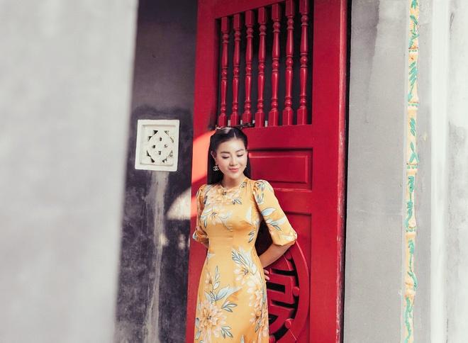 Diễn viên Thanh Hương duyên dáng, xinh đẹp trong tà áo dài-8